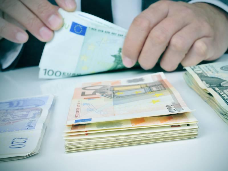Покупка и продажа валюты в УБРиР